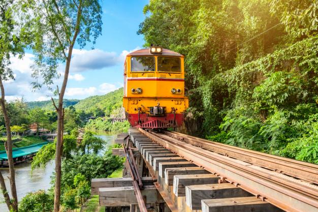 Le train, plus qu'un moyen de transport, un moyen d'évasion et de découverte